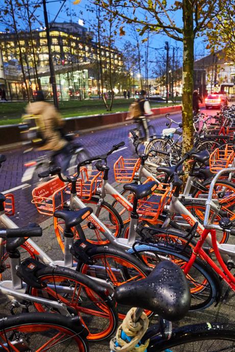 Rotterdam wil imago van de deelfiets verbeteren: meer stallingsplekken