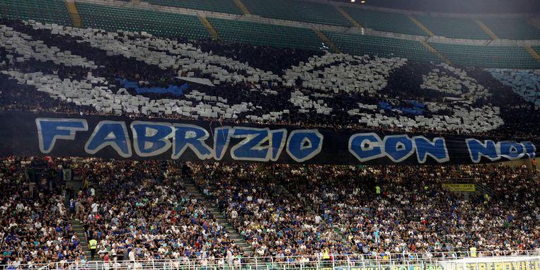 Voor de match tegen Lecce brachten de fans van Inter een eerbetoon aan de vermoorde Fabrizio Piscitelli of Diabolik, de koning van de extreem-rechtse ultra's en jarenlang de leider van de harde kern van Lazio Roma.