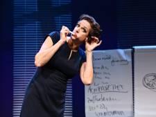 Negen zaterdagen lang topcabaret op tv in de avond: een lach en een traan