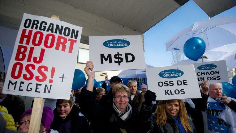Personeel van MSD-Organon uit Oss voert vrijdag actie bij de rechtbank in Amsterdam. Beeld null