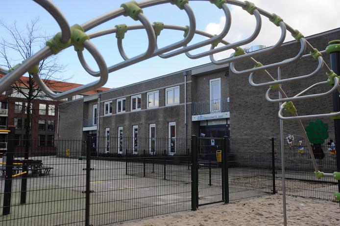 Dit gebouw van Aventurijn, voorheen Jozefschool, aan de St. Annastraat in Uden gaat plat. Voor de nieuwbouw heeft Uden 4,8 miljoen euro gereserveerd.
