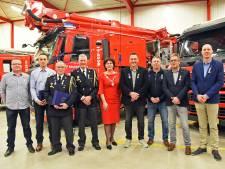 Lintje voor acht brandweerlieden uit de gemeente Sluis