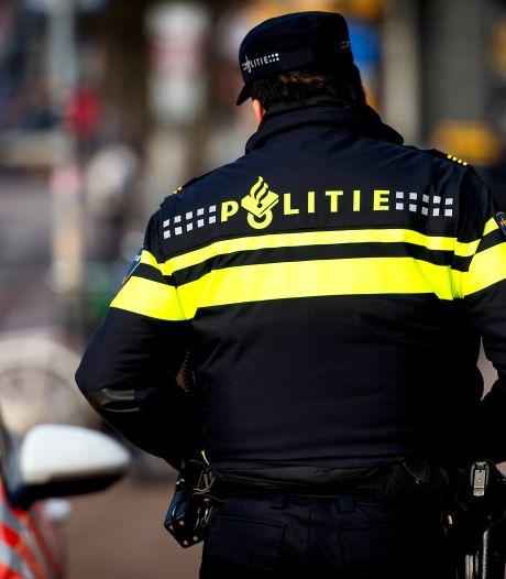 Wegpiraat waant zich alleen op de wereld en ziet politie over het hoofd bij Zwolle