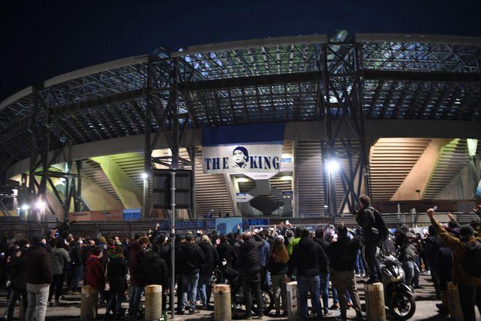Aan het San Paolo-stadion in Napels verzamelden heel wat supporters gisterenavond.