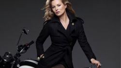Kate Moss staat opnieuw model