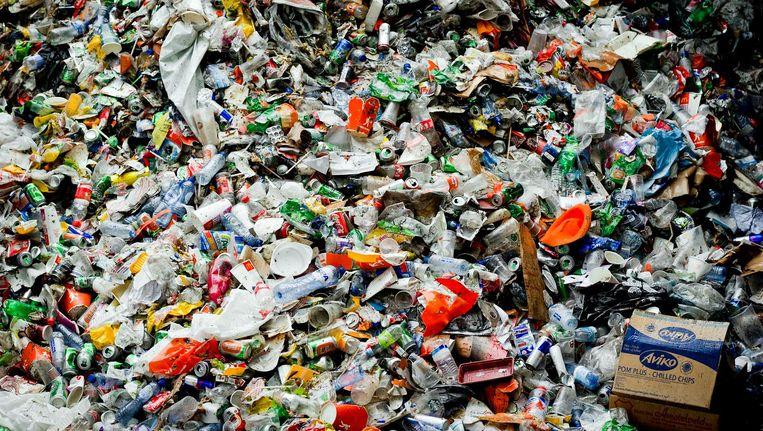 'De nieuwe installatie betekent niet dat we in de stad wel kunnen stoppen met het scheiden van afval' Beeld anp