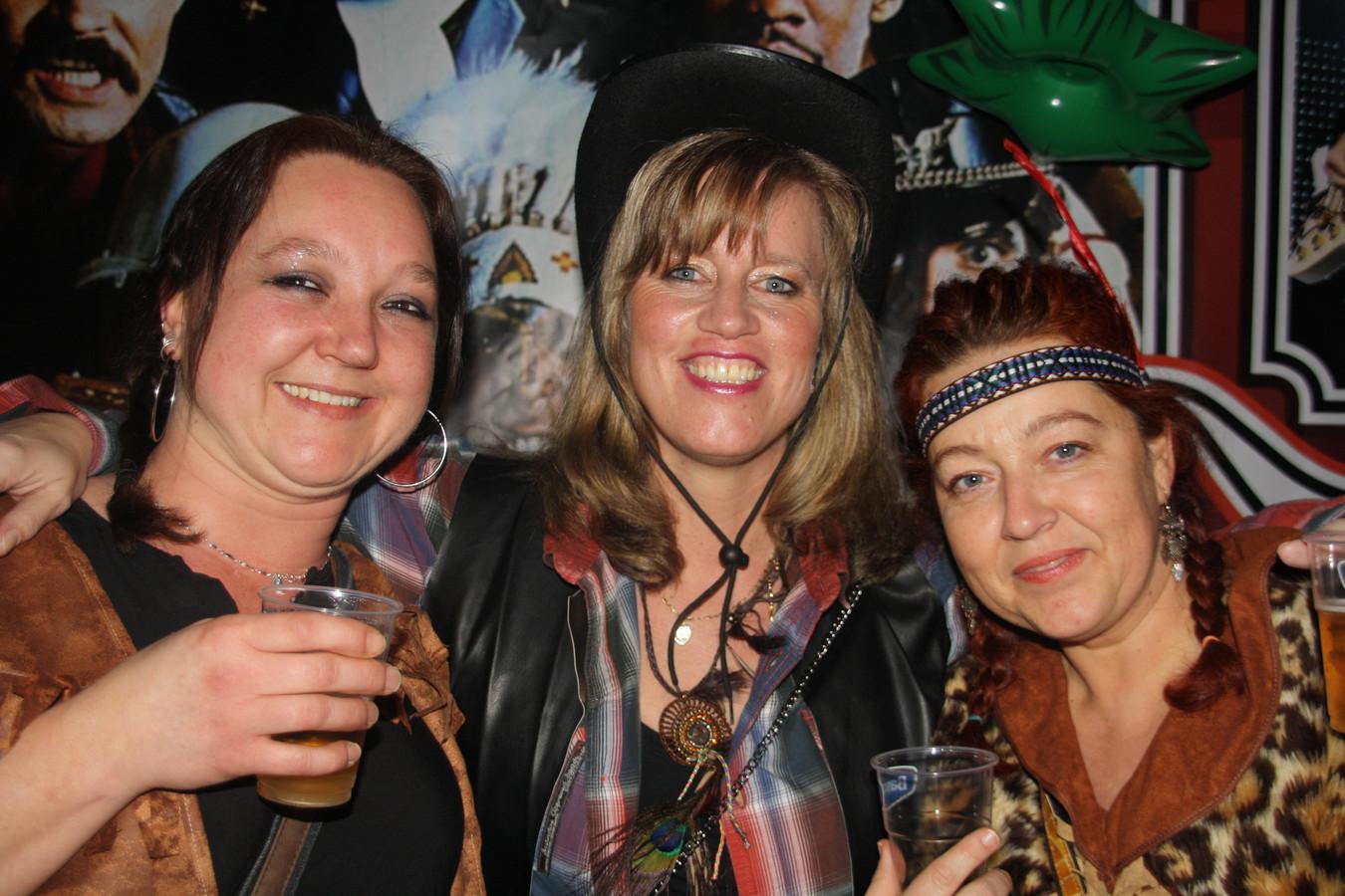Mariska van Kooten (links) met twee collega's van Mikz.
