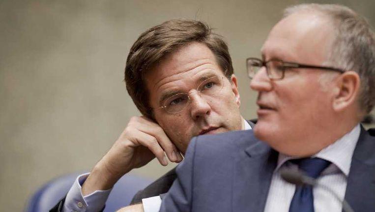 Premier Mark Rutte en minister Frans Timmermans (R) van Buitenlandse Zaken tijdens het debat in de Tweede Kamer over de komende Europese top. Beeld anp
