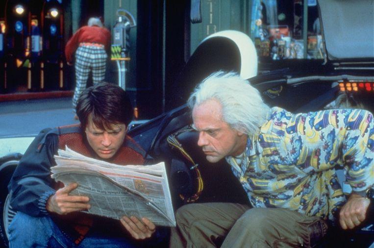 Marty McFly en Doc Brown  belandden in Back To The Future II (uit 1989) in het jaar 2015, althans hoe de maatschappij er tegen dan uit ging zien.