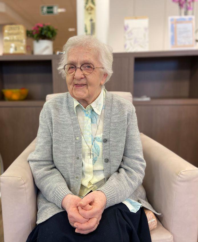 Elisa Laenen (95) kreeg donderdag een coronavaccin