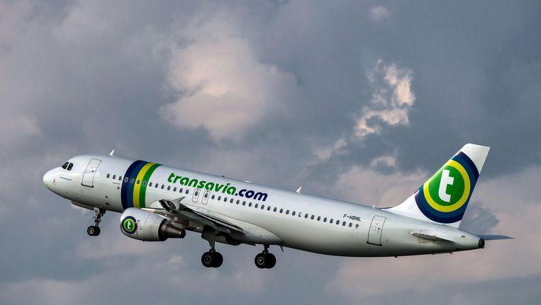De piloten van Transavia gaan om middernacht het werk neerleggen uit onvrede over hun arbeidsomstandigheden. Beeld null