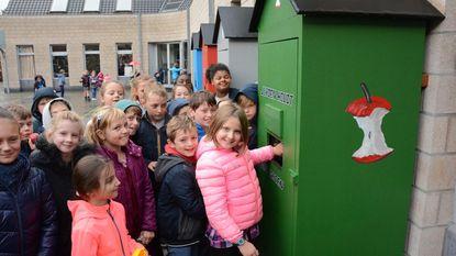 Centrumschool sorteert in afvalstraat