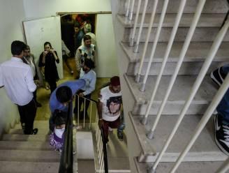 Asielzoekers verlaten gebouw niet voor ze papieren krijgen