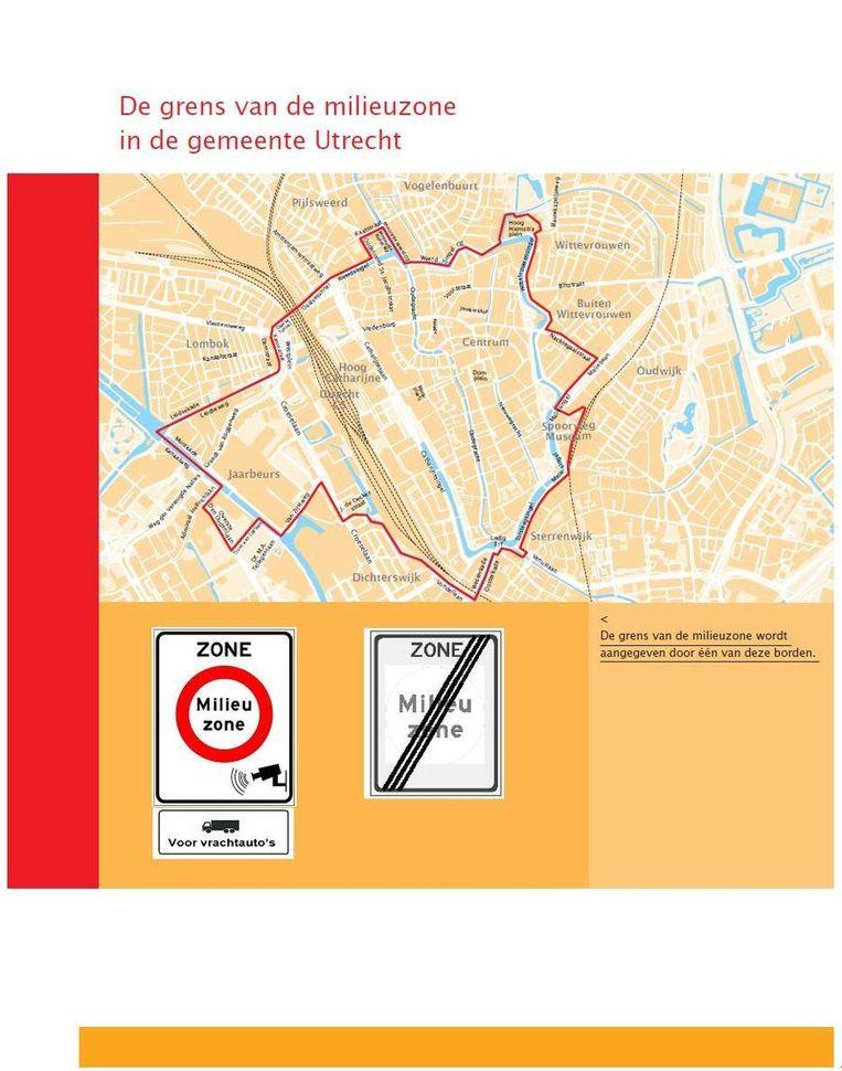 De rode grens markeert de milieuzone waarbinnen Utrecht oudere auto's wil gaan weren. Beeld Gemeente Utrecht
