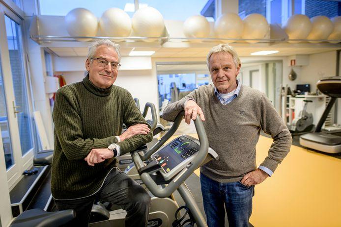 De fysiotherapeuten Jan Hamerlinck (links) en Willem Slooijer in de Fysio Koninginneweg Rijssen die ze definitief verlaten.