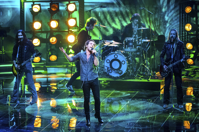 Navarone tijdens de eerste liveshow van The Voice of Holland.