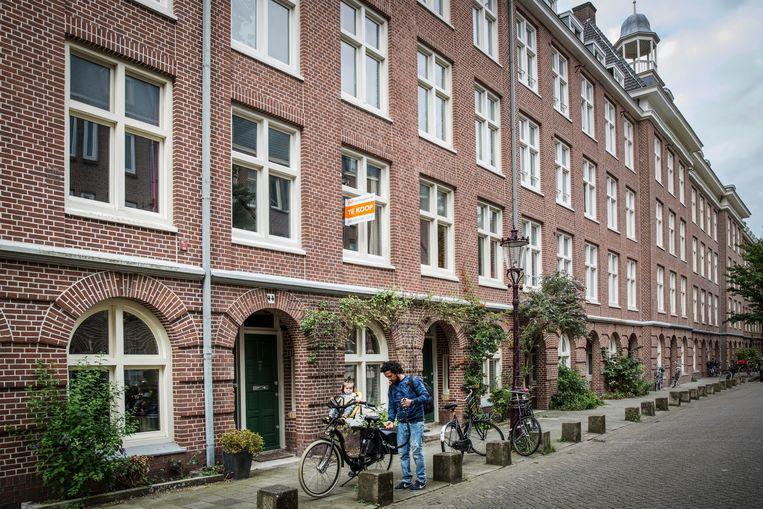 Een etage te koop in de Van Bossestraat in de Staatsliedenbuurt. Beeld Dingena Mol