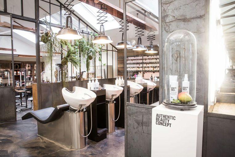 Salon Mogeen in Amsterdam. Beeld null