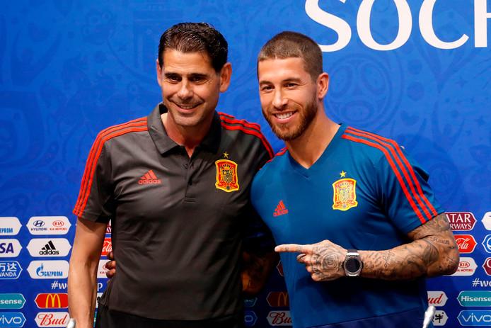 Sergio Ramos met Fernando Hierro, die gisteren voor het eerst de training van Spanje leidde.