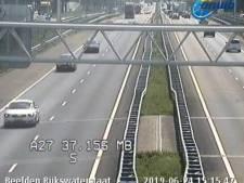 Flinke vertraging door file na ongeluk op de A15