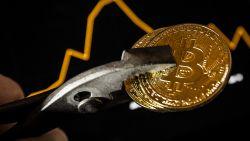 Bitcoin is nu al 80 procent minder waard dan een jaar geleden
