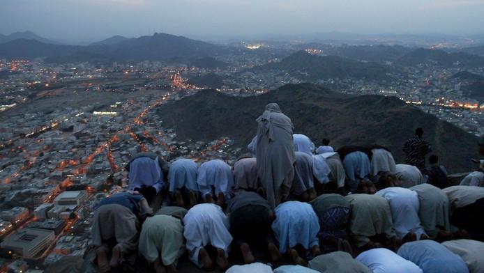 Pelgrims bidden naar Mekka in Saudi-Arabië.