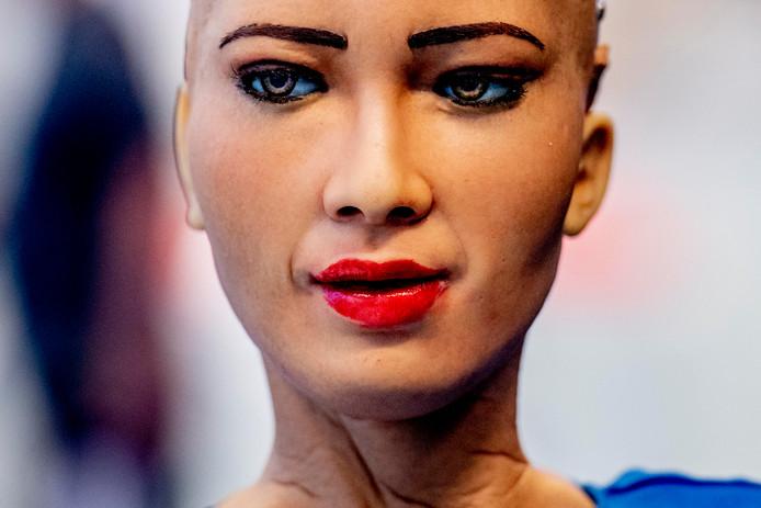 Het Zuid-Afrikaanse technologieconcern Naspers, dat vandaag zijn consumenteninternettak Prosus naar de beurs in Amsterdam heeft gebracht, richt zich sterk op kunstmatige intelligentie.