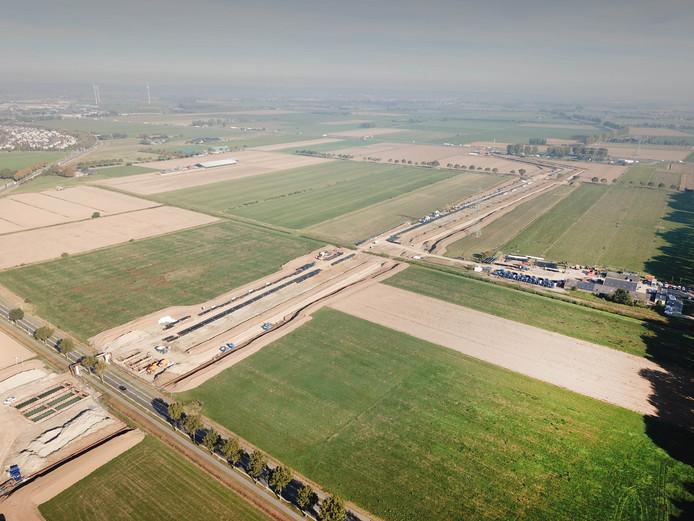 Het toekomstige tracé van de A15 tussen Zevenaar en Duiven vanuit de lucht.