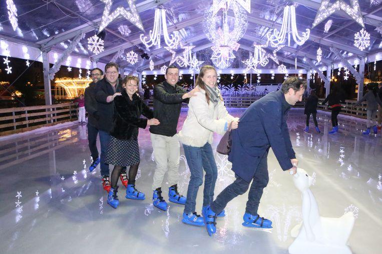 De komende weken kan je schaatsen op de piste op de Grote Markt.