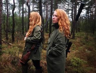 In het brein van een jager: tweelingzussen leggen uit waarom ze zo graag dieren doodschieten