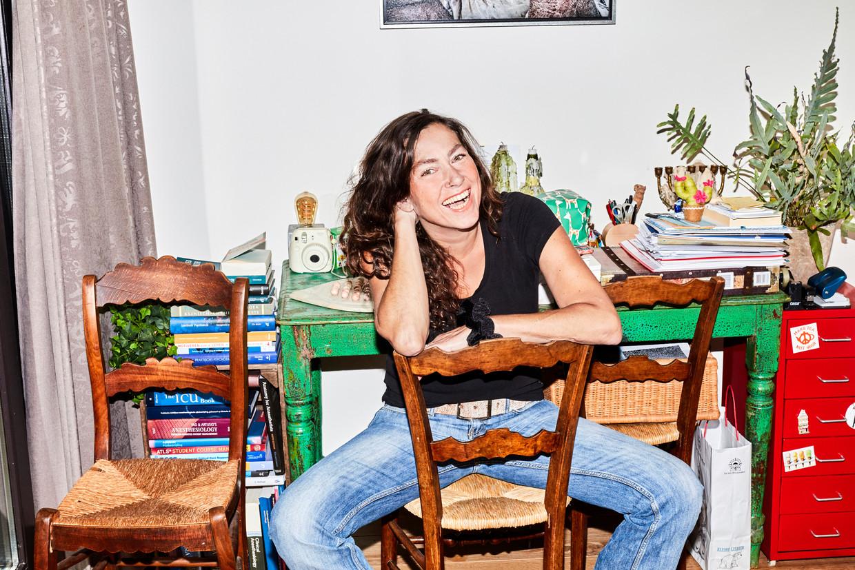 Audrey Beckers: 'Ik herken de discussies in hun hoofd, de eigenwijsheid – 'ik kan toch wel één keer...' –, het dempen.' Beeld Valentina Vos