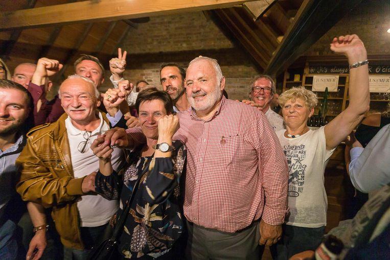 Drie weken na zijn verkiezingsoverwinning heeft Jean Marie Dedecker zijn bestuursploeg klaar.