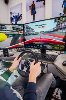 Rudy (28) uit Lelystad is snelste gamer ter wereld, maar wil straks de échte racewagen in