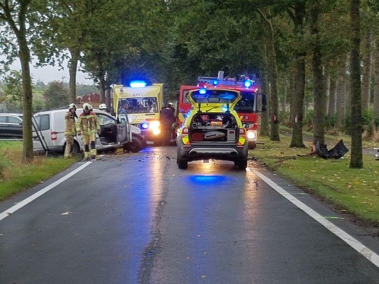 Het slachtoffer raakte zwaargewond en werd bevrijd door de brandweer.
