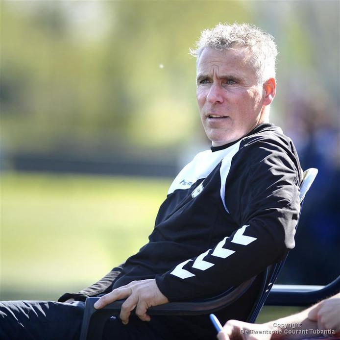 Voorwaarts-trainer Dick Beverdam, hier nog actief als trainer bij Hulzense Boys.