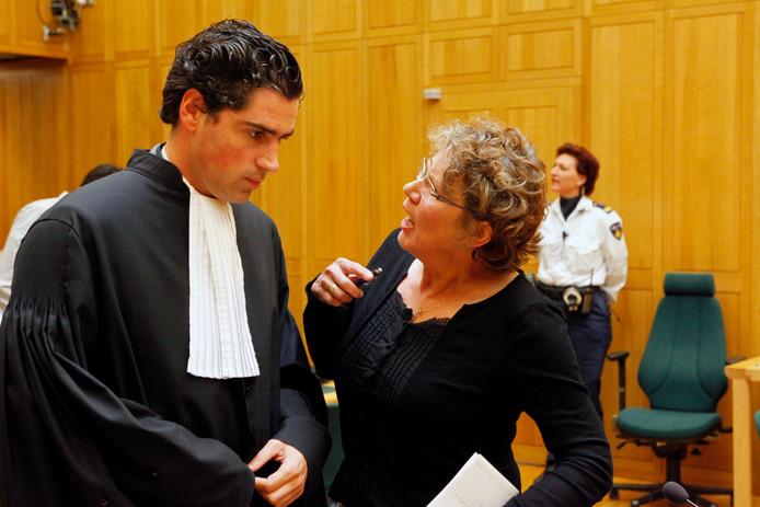 Advocaat Paul Acda (links).