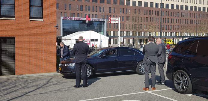 Koning Willem-Alexander was dinsdag op bezoek in het Jeroen Bosch Ziekenhuis in Den Bosch.