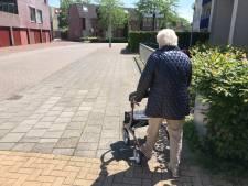 An (84) uit Almelo kan geen krieltjes en asperges halen door wegopbreking: 'Was even heel boos'