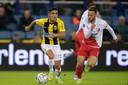 Navarone Foor is de vervanger van Oussama Tannane bij Vitesse.