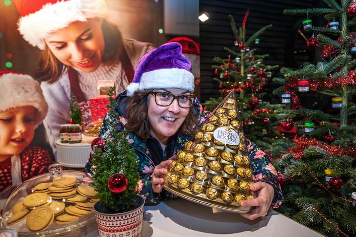 Rebecca Peek neemt een voorschotje op het Allerhande Kerstfestival 2017 dat morgen van start gaat in het Spoorwegmuseum.