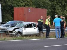 Opnieuw ongeluk op A67 bij de Hogt, inzittenden kunnen zelf uit vernield voertuig klimmen