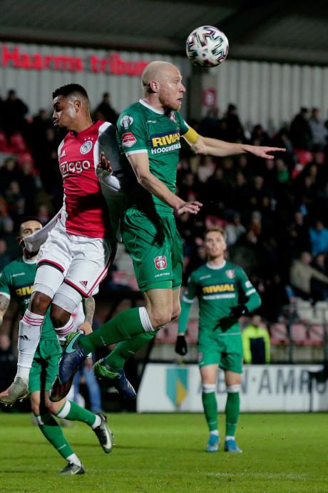 FC Dordrecht kan Jong Ajax slechts één helft beteugelen