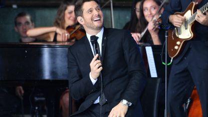 """INTERVIEW. Michael Bublé zette carrière twee jaar op pauze voor zieke zoontje: """"Ik zal nooit meer dezelfde zijn"""""""