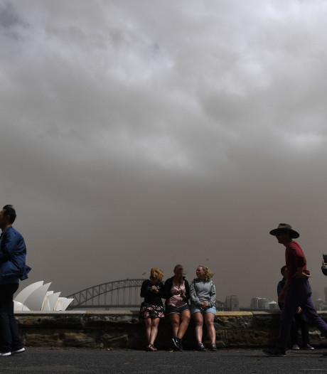 Hagelbollen zo groot als golfballen, grote delen Sydney zonder stroom door noodweer