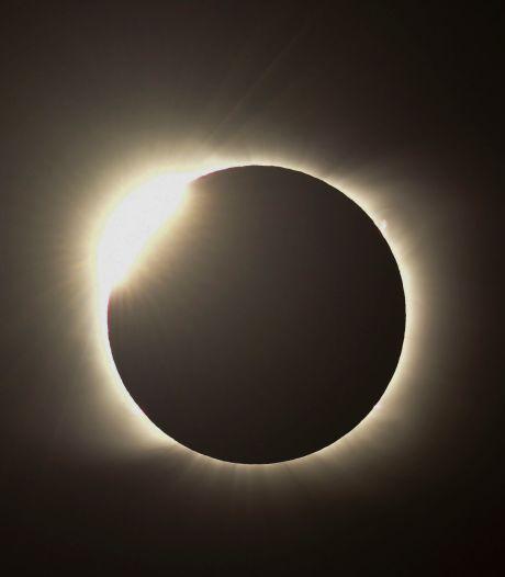 Une éclipse totale du Soleil plonge le sud du Chili et de l'Argentine dans l'obscurité