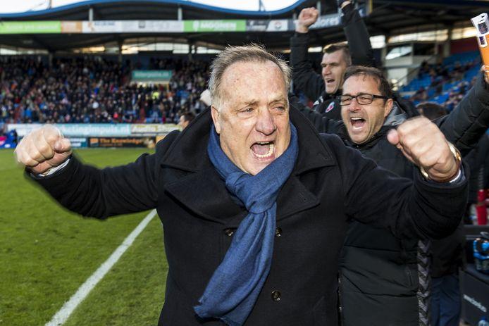 Blijdschap bij Dick Advocaat: de zege op Willem II (0-1) betekende de derde zege op rij. Wordt ASWH nummer vier?