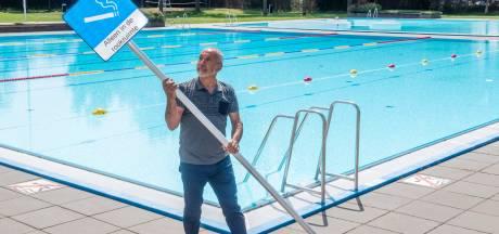 Harderwijk volgt Apeldoorn: roken op ligweide zwembad verboden