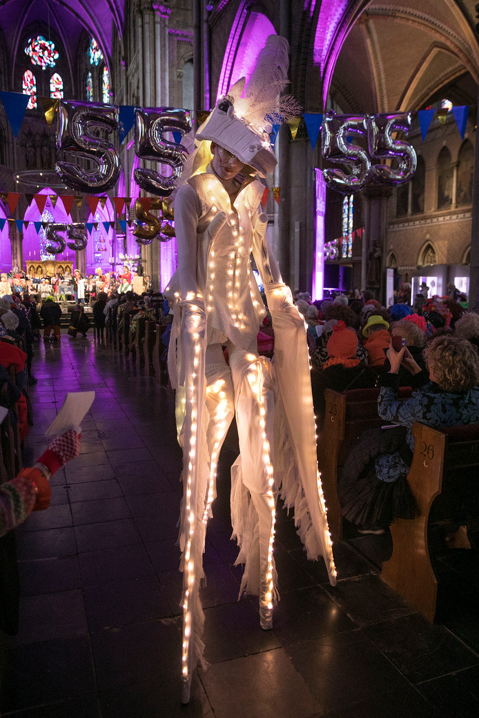 De carnavalsmis in de Catharinakerk.