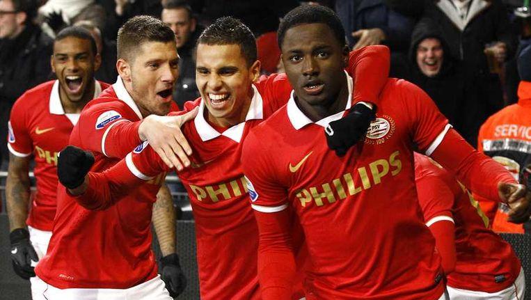 Jetro Willems (r) wordt gefeliciteerd met zijn 1-0. Beeld anp