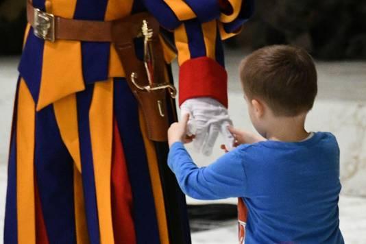 De handschoen van een van de pauselijke soldaten was ook reuze interessant.